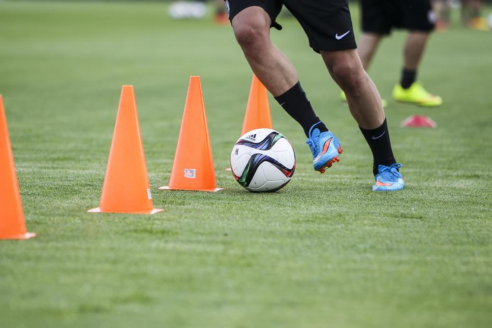 Dribbling Fußball